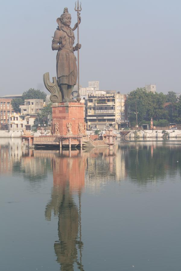 Escultura Shiv en Sursagar Vadodara Gujarat India foto de archivo libre de regalías