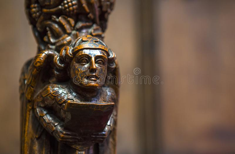 Escultura tallada de madera en Chester Cathedral imagen de archivo