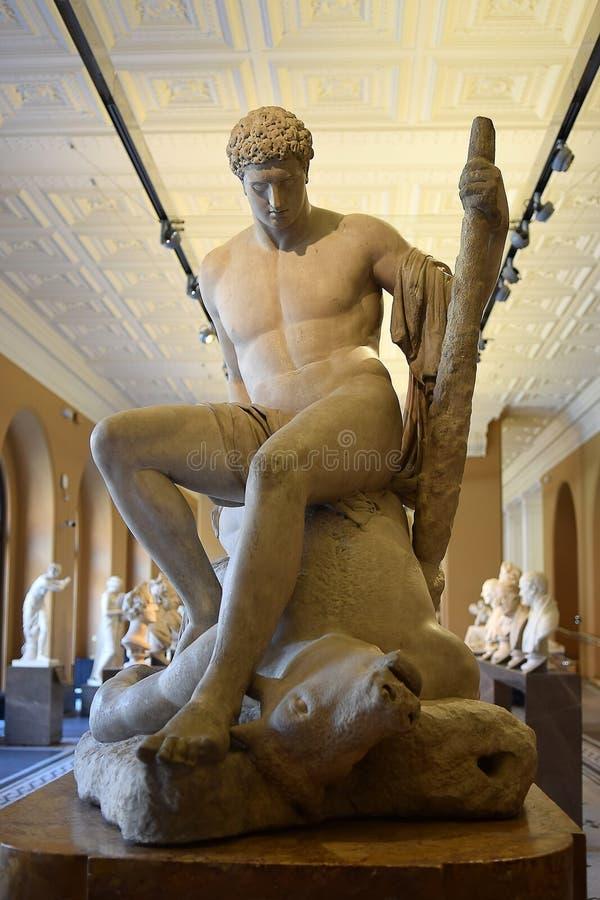 Escultura Theseus y el Minotaur de Antonio Canova imagen de archivo