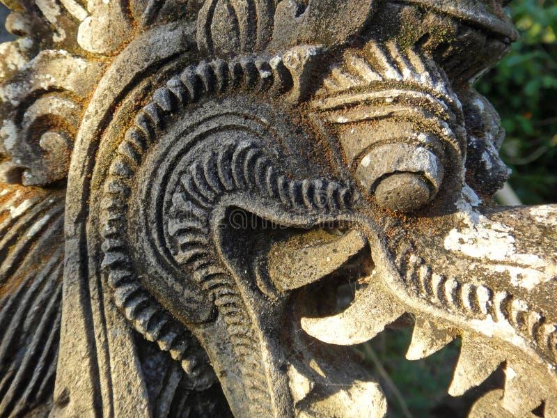 Escultura tradicional Indonésia Bali 2 do templ da pedra do Balinese fotos de stock