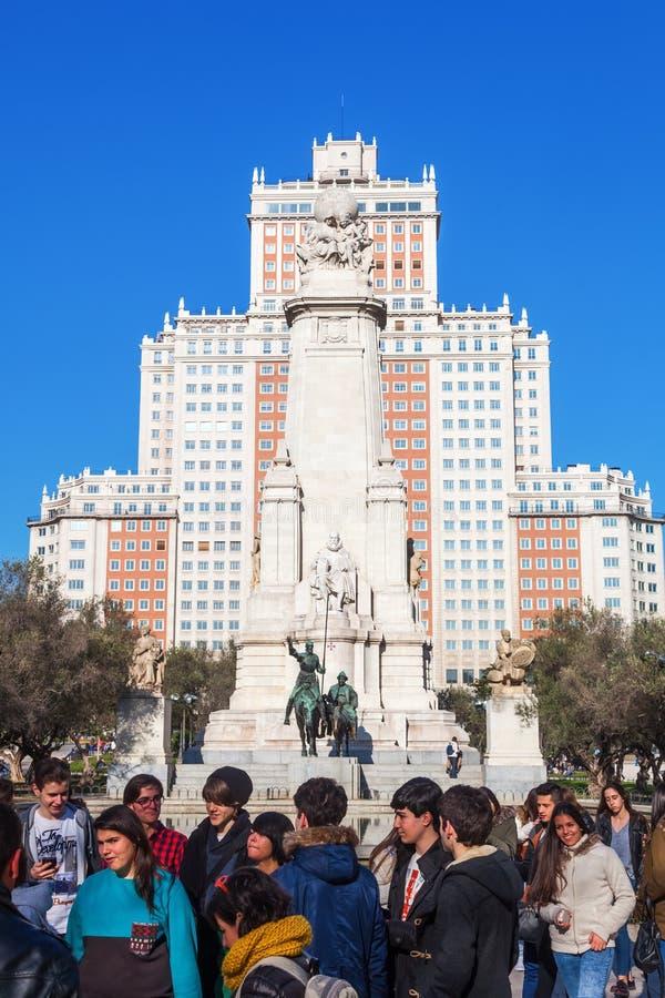 Esculturas de Don Quixote y de Sancho Panza en la plaza de Espana en Madrid, España imágenes de archivo libres de regalías