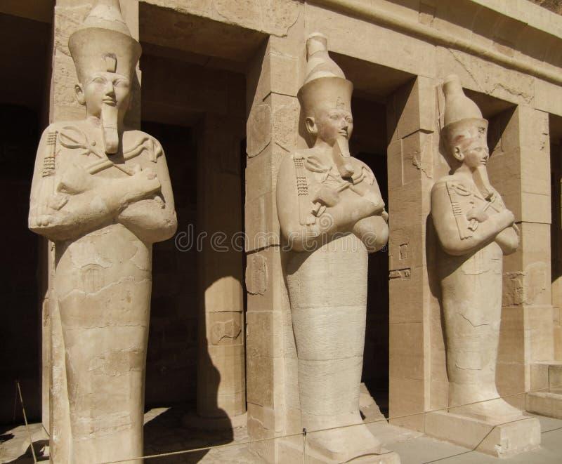 Esculturas de Hatschepsut feitas da pedra imagens de stock royalty free