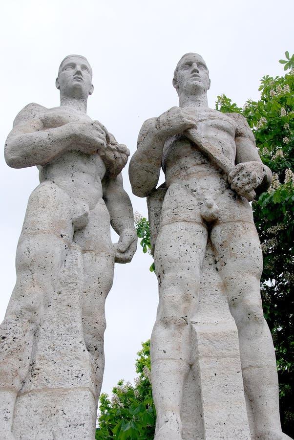 Esculturas de Olympia Stadium de Berlim fotografia de stock