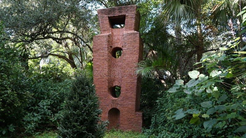 Esculturas de pedra, Ann Norton Sculpture Gardens, West Palm Beach, Florida imagens de stock