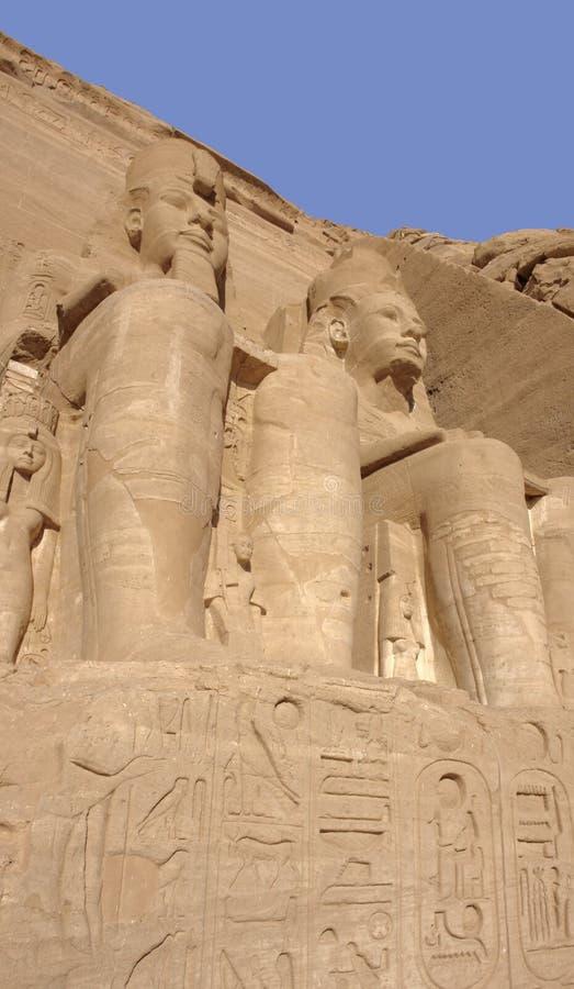 Esculturas de pedra em templos de Abu Simbel em Egipto fotos de stock