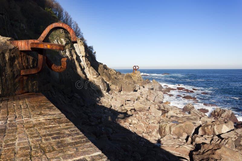 Esculturas del ` s de Chillida en San Sebastián fotos de archivo libres de regalías