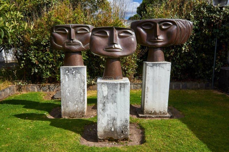 Esculturas metálicas del artista moderno Oswaldo Guayasamin fotografía de archivo libre de regalías