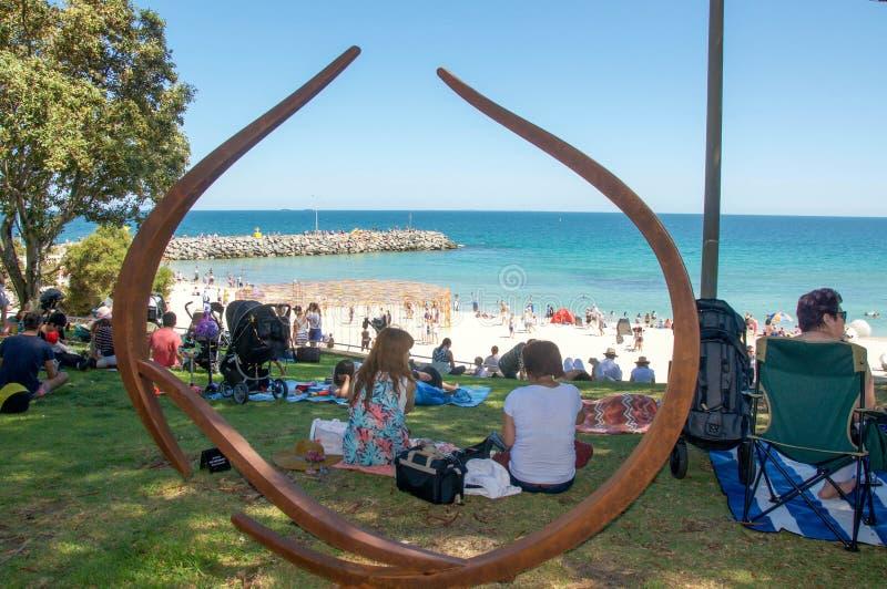 Esculturas pelo mar: Vista completamente imagens de stock royalty free