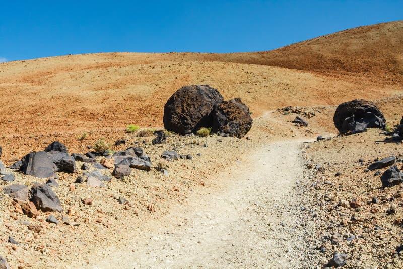 Escursione del percorso alla sommità verso Montana Blanca sabbioso fotografie stock libere da diritti