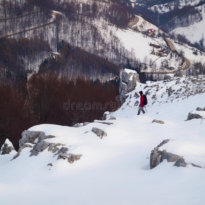 Escursione e calcare di inverno fotografia stock