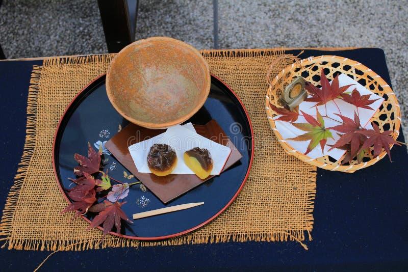 Esdoorn en dango Japanse snack stock foto's
