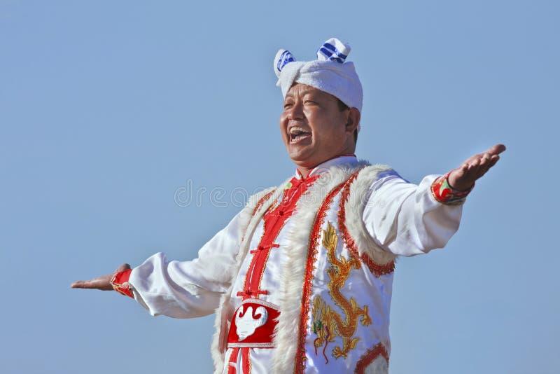Esecutore locale vestito tradizionale, Yanan, Cina immagini stock