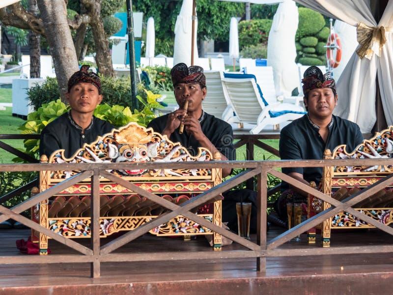 Esecuzione tradizionale dei musicisti di balinese fotografie stock libere da diritti