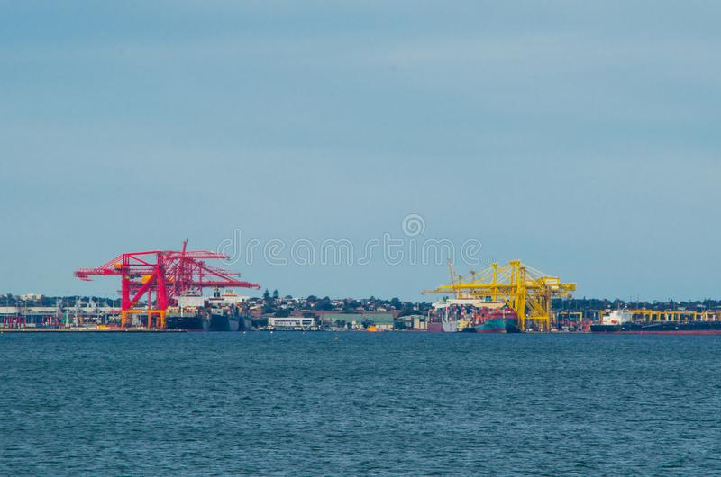 Esegua marittimo che tratta le funzioni in porti e che trattano il trasporto del ` s dell'Australia fotografie stock libere da diritti