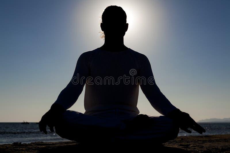 Esercizi di yoga immagine stock libera da diritti