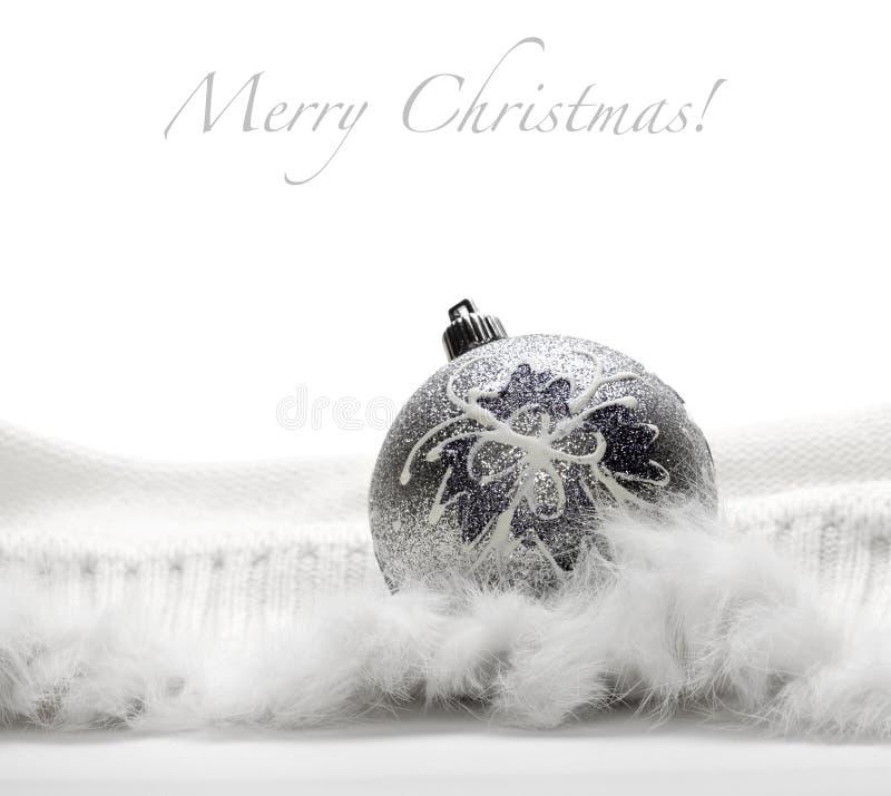 Esfera de prata do Natal fotografia de stock royalty free