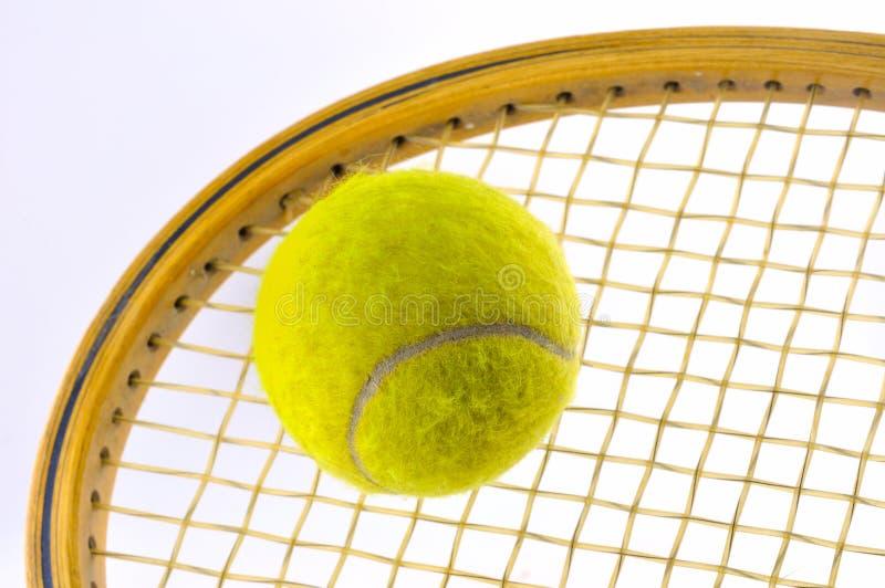 Download Esfera de tênis foto de stock. Imagem de corda, objetos - 16858666
