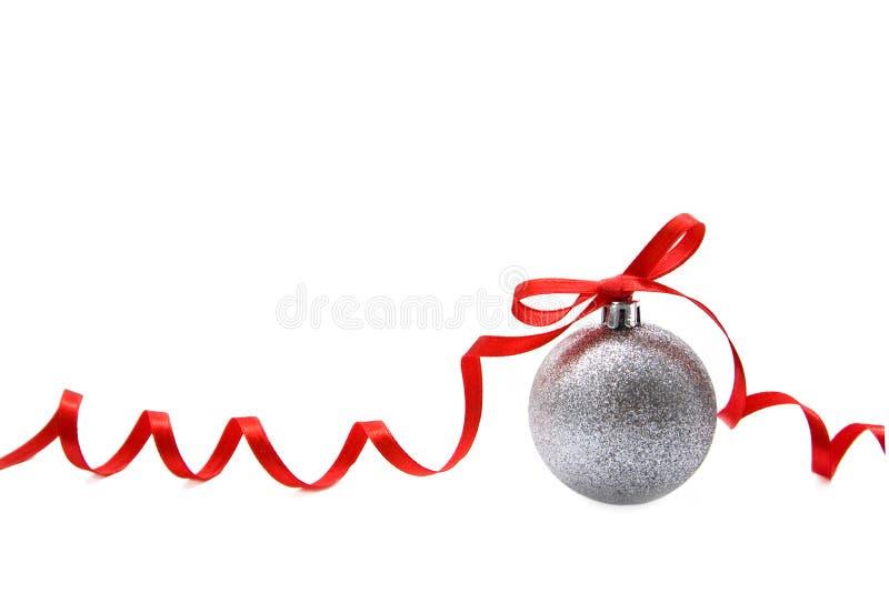 Esfera de vidro do Natal de prata fotos de stock