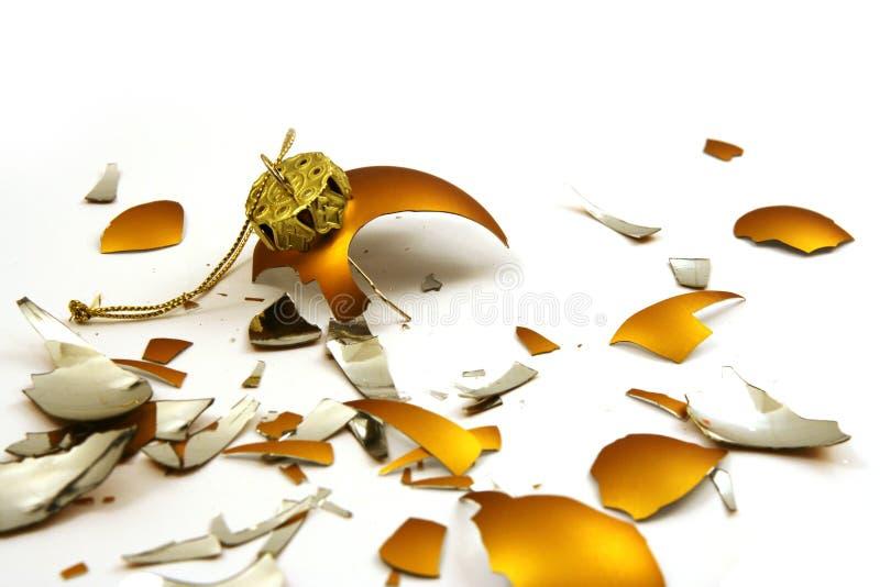 Esfera dourada quebrada fotos de stock