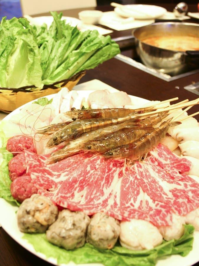 Esfera e carne de carne do camarão de Hotpot fotos de stock royalty free