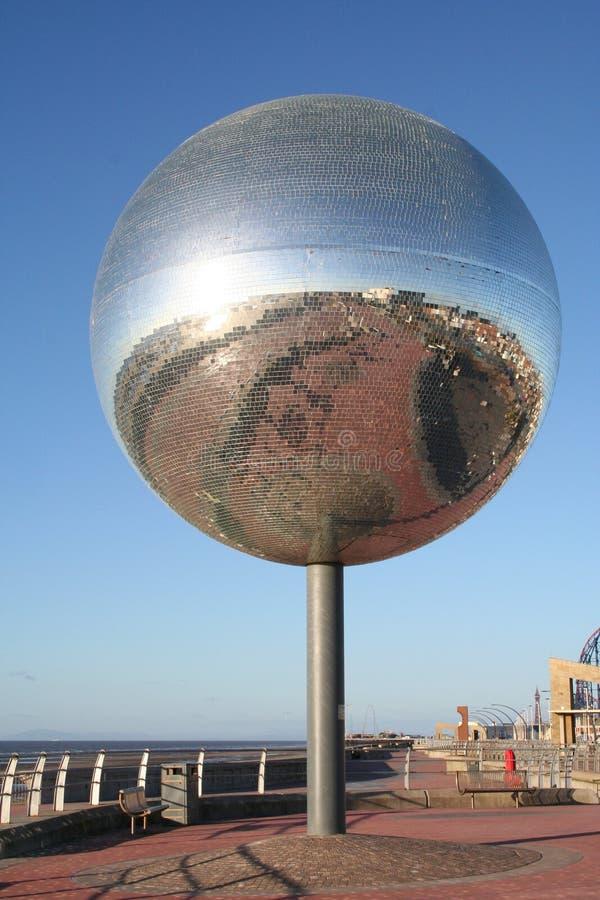 Download Esfera Gigante Do Glitter, Blackpool. Imagem de Stock - Imagem de vidro, glitter: 533429