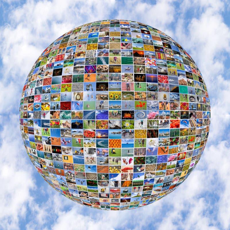 Esfera video da parede dos multimédios grandes em telas da tevê imagens de stock