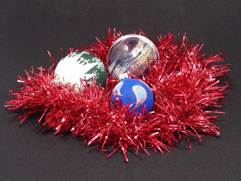 Download Esferas Coloridas Do Natal. Imagem de Stock - Imagem de feriado, isolado: 16852429