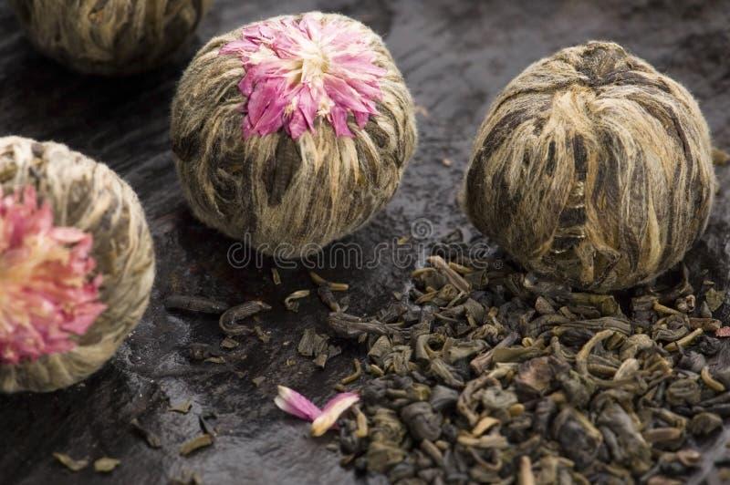 Esferas de chá chinesas verdes fotografia de stock royalty free