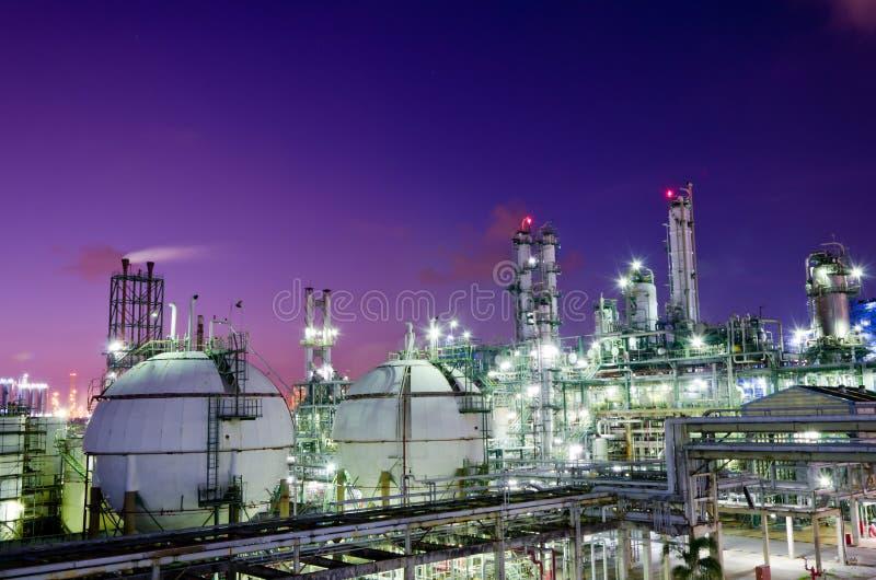 Esferas do armazenamento de gás fotografia de stock royalty free