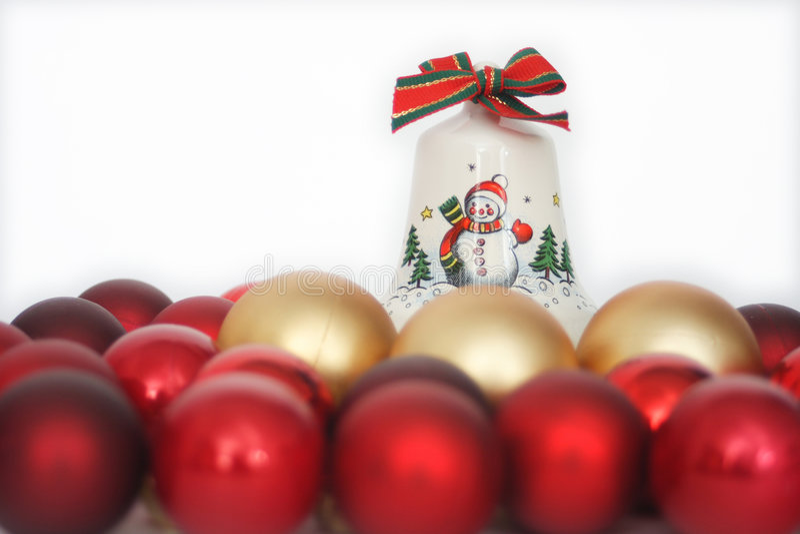 Esferas do Natal com sino imagem de stock