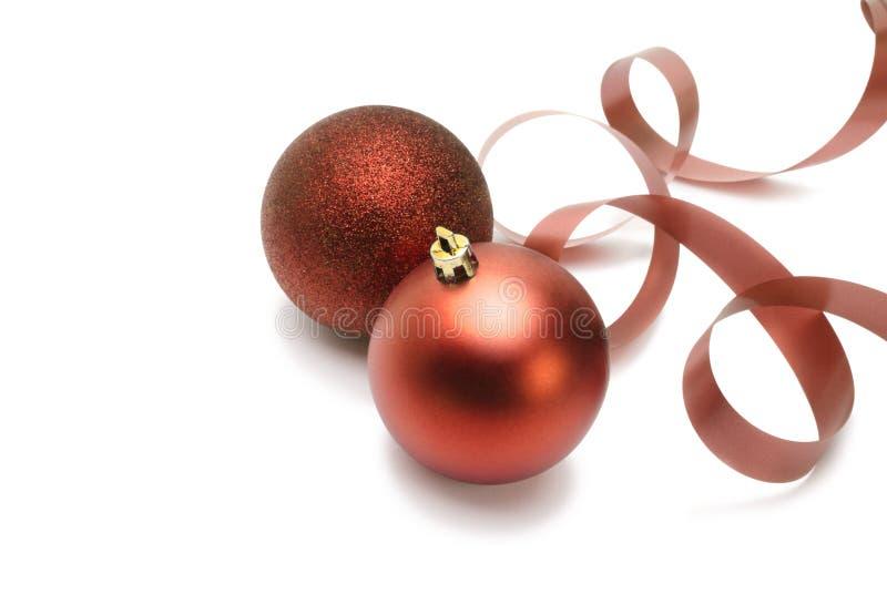 Esferas e fita do Natal fotografia de stock