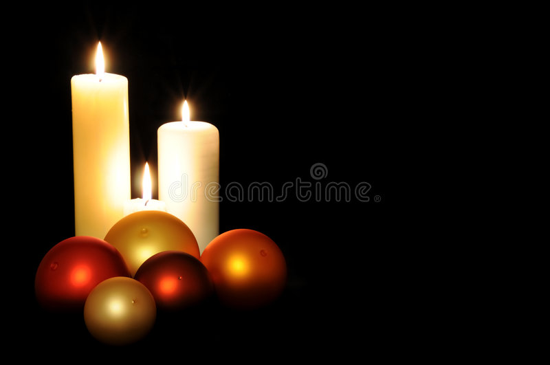 Esferas e velas do Natal fotografia de stock royalty free