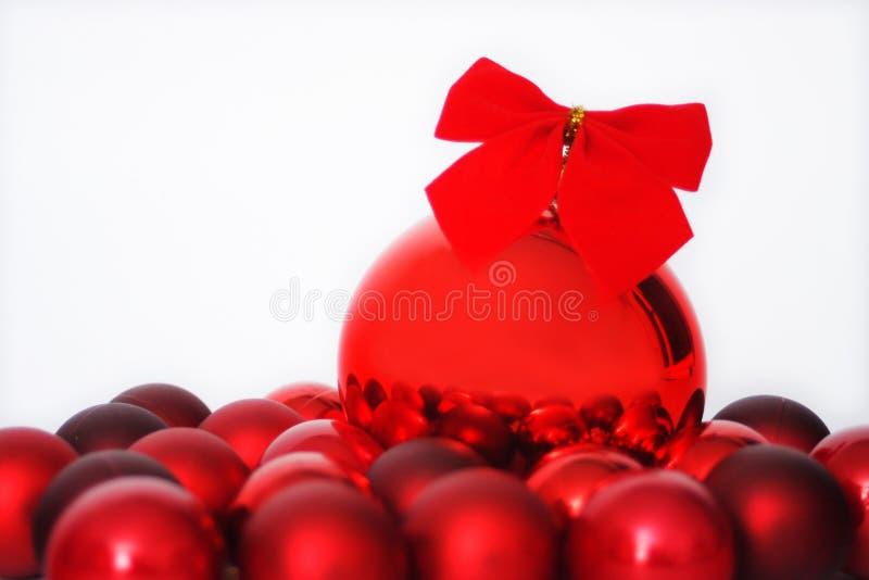 Esferas vermelhas do Natal fotografia de stock royalty free