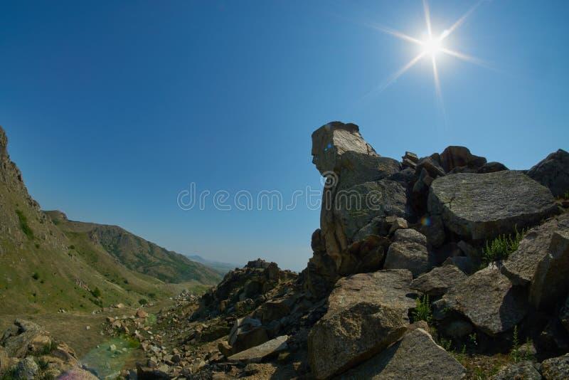 A esfinge da montanha de Macin no parque natural de Macin imagem de stock