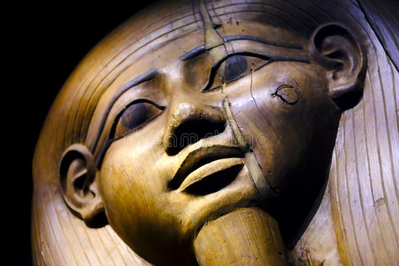 Esfinge, sarcófago de madera foto de archivo