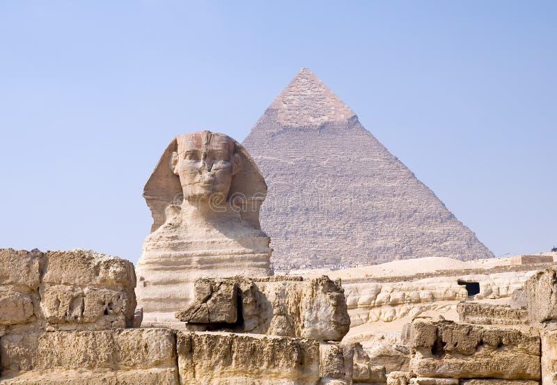 Esfinge y pirámide del pharaoh Chephren imagen de archivo libre de regalías