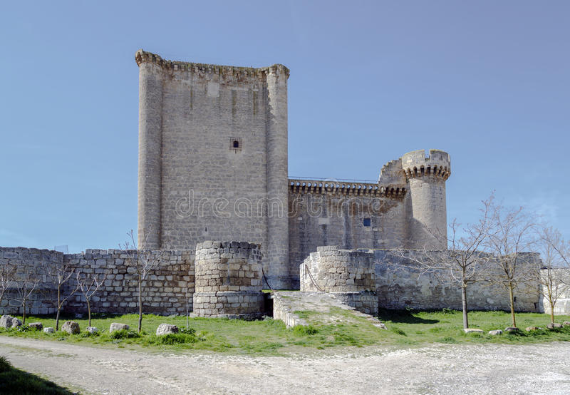 Esgueva Villafuerte城堡  图库摄影