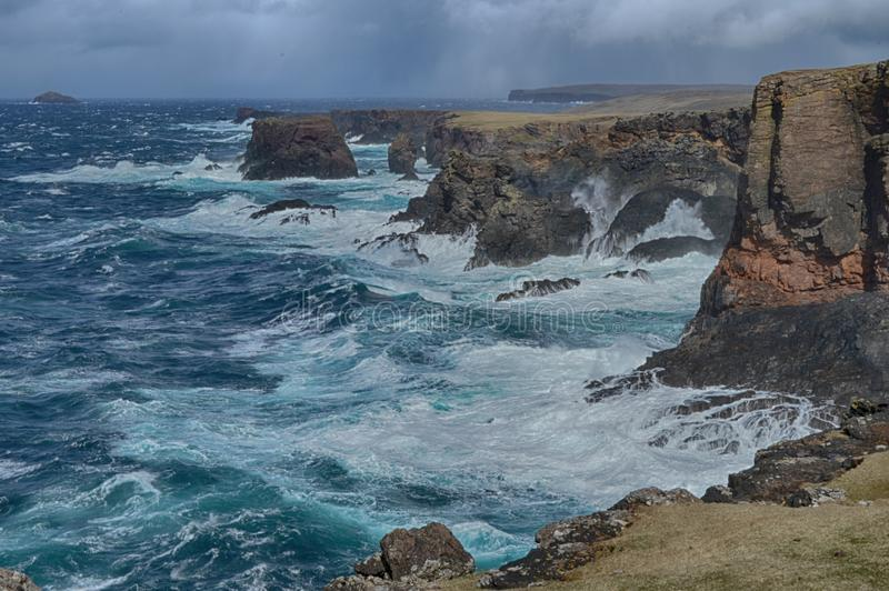 Eshaness klippor arkivbild