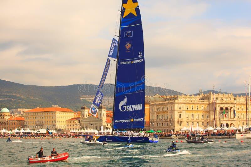 Esimit Europa 2 zwycięzca 46° Barcolana regatta, Triest zdjęcie stock