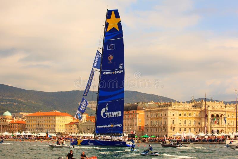 Esimit Europa 2 zwycięzca 46° Barcolana regatta, Triest obrazy stock