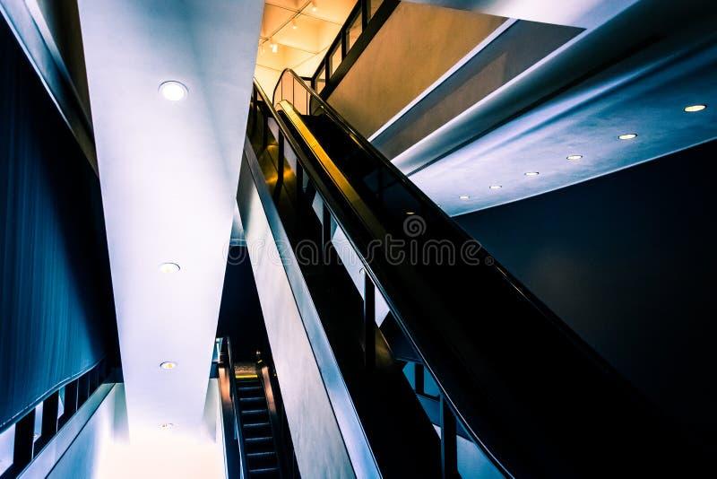Eskalator w Hirshhorn muzeum, Waszyngton, DC zdjęcia stock