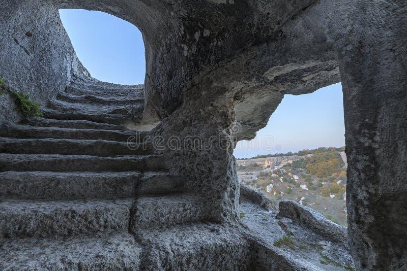 Eski凯尔门古城的洞的内部在克里米亚 库存图片