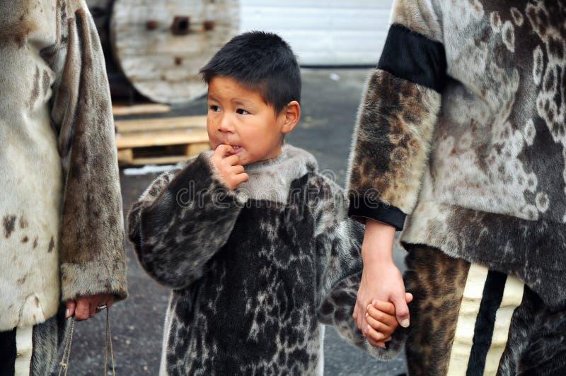 Eskimåbarn fotografering för bildbyråer