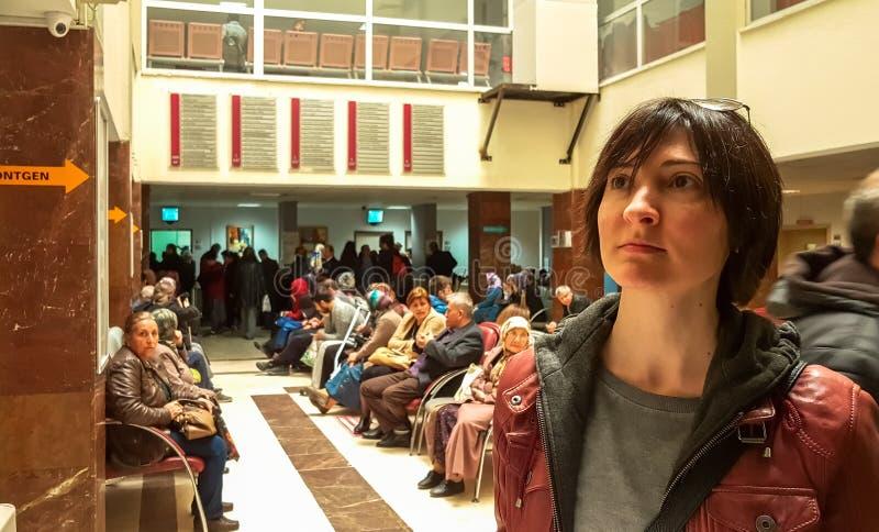 Eskisehir, Турция - 28-ое марта 2017: Люди ждать доктора стоковое изображение rf
