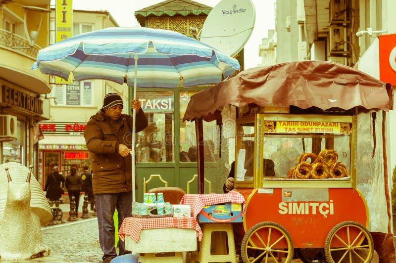 Eskisehir Turcja, Marzec, - 13, 2017: Fura z tradycyjnym Tureckim ciastem zdjęcie stock