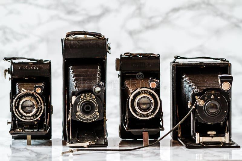 ESKISEHIR TURKIET - AUGUSTI 28, 2018: Antika Kodak, Azur, Gauthier Calmbach, Dresden kameror arkivfoton