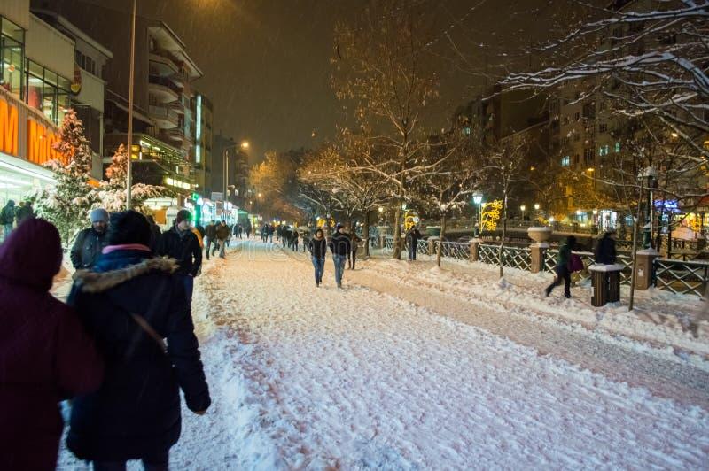 Eskisehir, Turquie - 10 janvier 2015 : Les gens marchant à photo stock