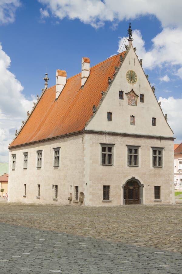 Eslováquia, Bardejov, mercado, câmara municipal imagens de stock royalty free