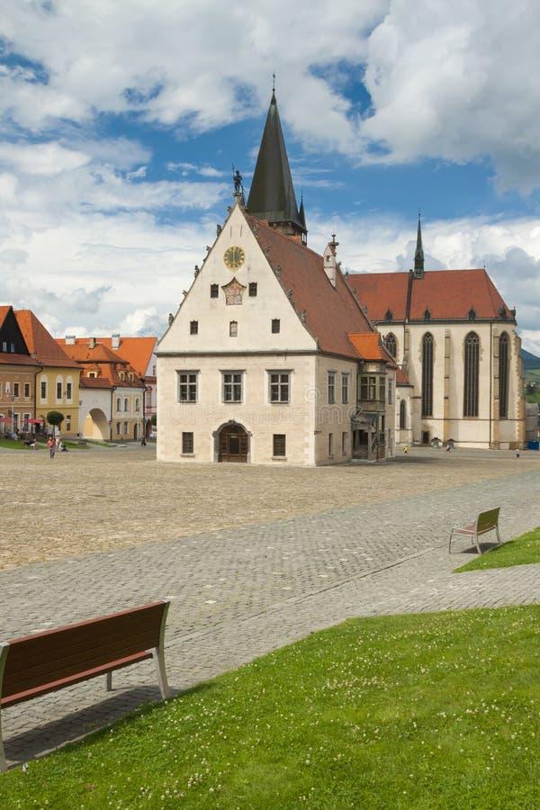 Eslováquia, Bardejov, mercado, St Egidius Basilica, verão fotografia de stock royalty free