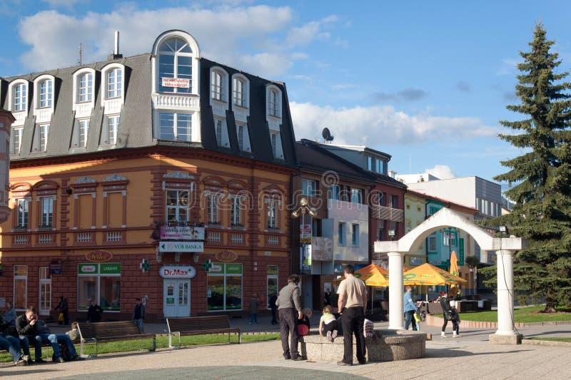 ESLOVÁQUIA, POPRAD - 9 DE MAIO DE 2014: O centro da cidade de Poprad imagens de stock royalty free